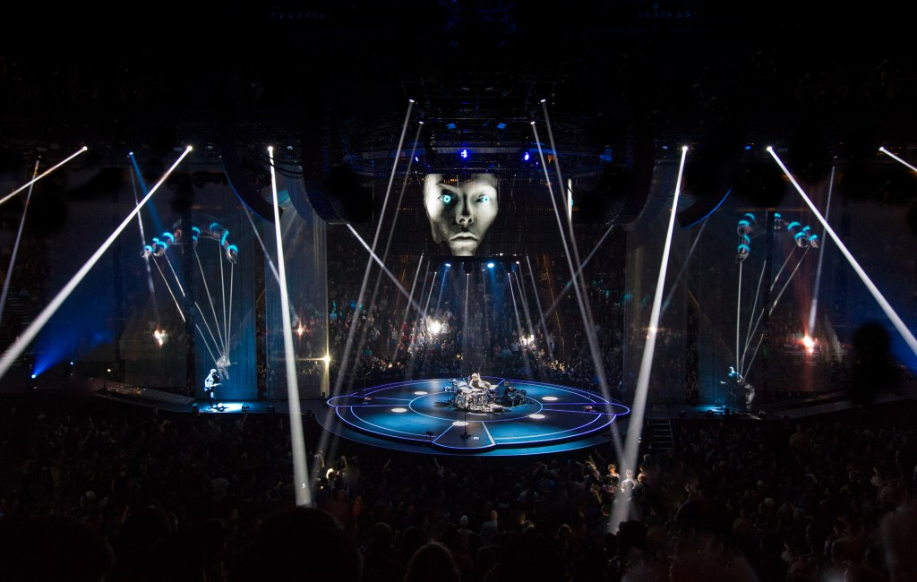 "Muse – ""Drones"" stage by Moment Factory"