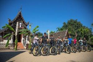 E-bikers group shoot in front of Wat Ton Kwen | Buzzy Bee Bike, Chiang Mai, Thailand