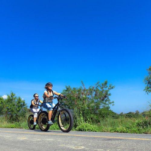 the blue sky | Buzzy Bee Bike, Chiang Mai, Thailand