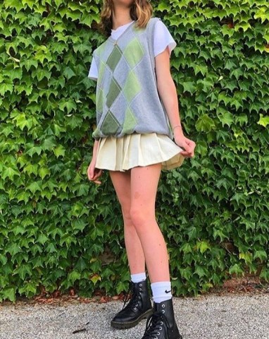 how to style tennis skirts