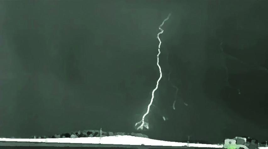চিত্রঃ ইলেকট্রন ও প্রোটনের মিলন 'প্রত্যাবর্তন ঘাত'