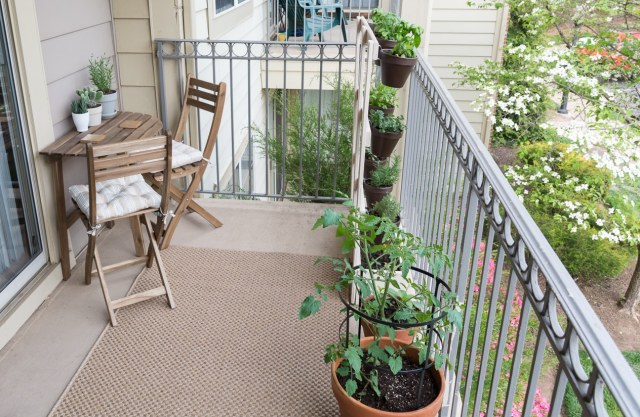 How To Build A Vertical Balcony Garden