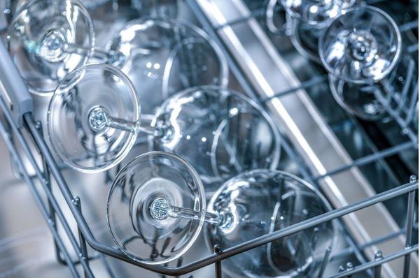 9 tipů, jak se zbavit zápachu z myčky nádobí