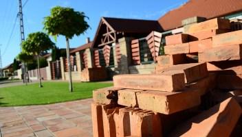 Srovnání: Je lepší rekonstrukce starého domu, nebo raději postavit nový?