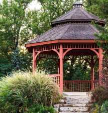 Efektivní péče o zahradní altán – jak na to?