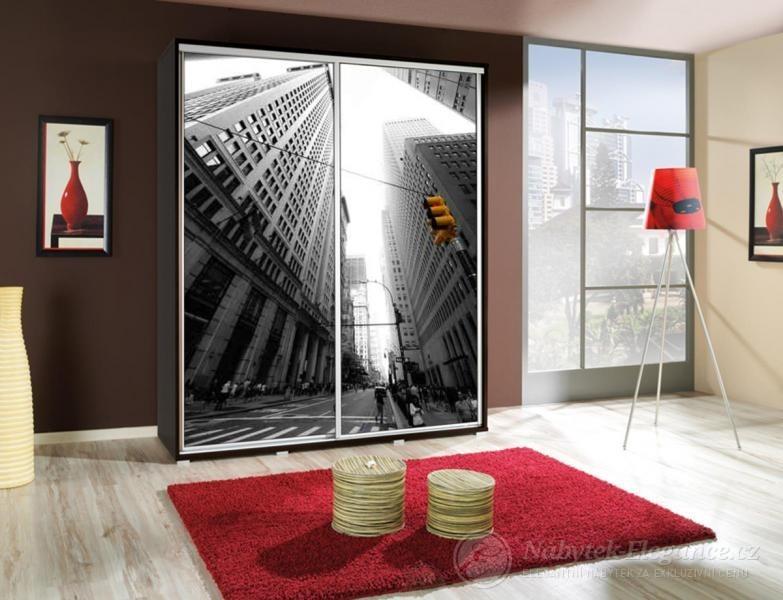 Šatní skříně, které budou slušet vaší ložnici
