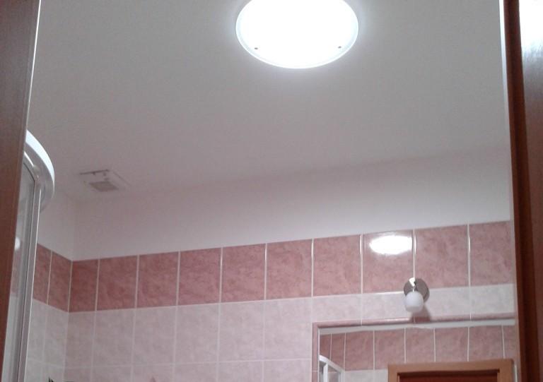 Více slunečního světla v domácnosti může zajistit i malá kopule na střeše vašeho domu