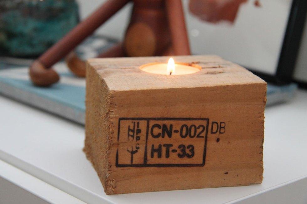 DIY fyrfadslys af klods fra europalle kreativt projekt i træ
