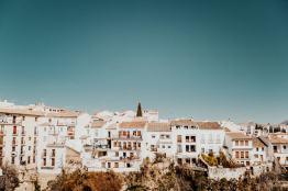 Licht-und-FarbeLicht-und-Farbe – Ronda Stadt
