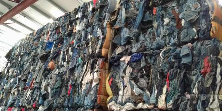 Que deviennent les vêtements que l'on dépose dans une benne Le Relais ?