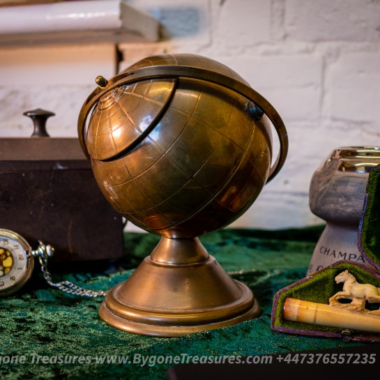 Globe Tobacco Pot