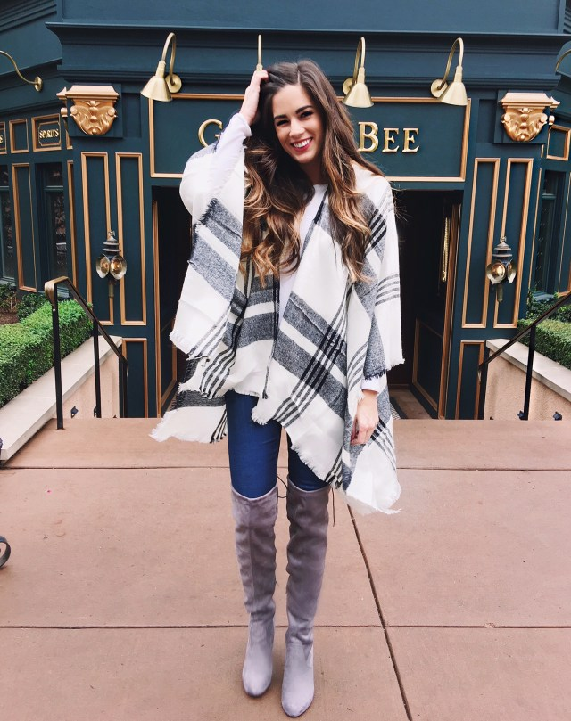 Colorado Springs what to see and wear travel blog plaid shirt fall weather rocky mountains vacation autumn booties sweater cardigan winter boots