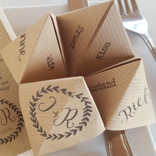 Kraft & print menu & favour