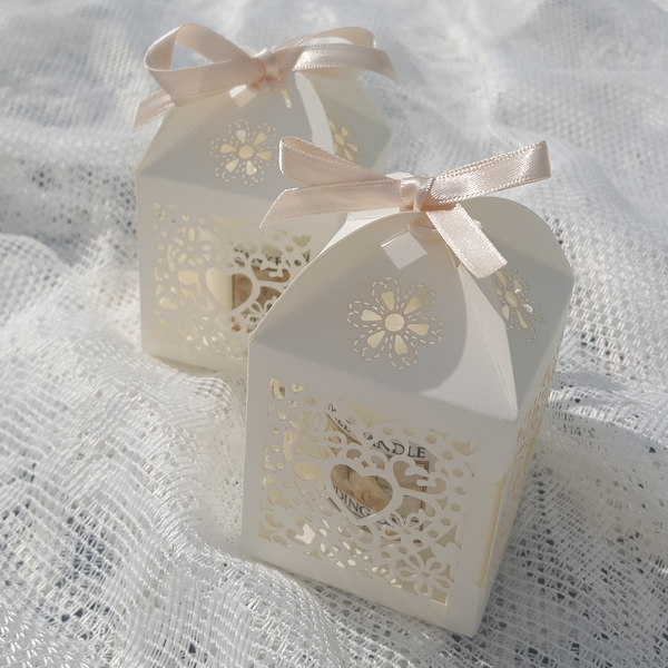 filigree heart wedding favour boxes