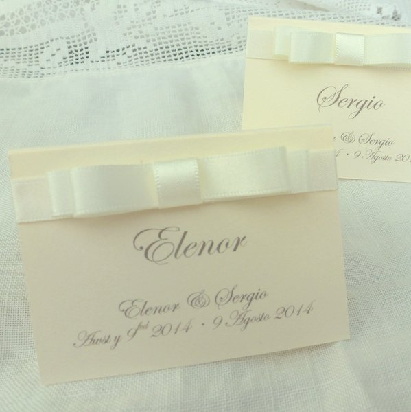 classic ivory place cards with satin dior bow