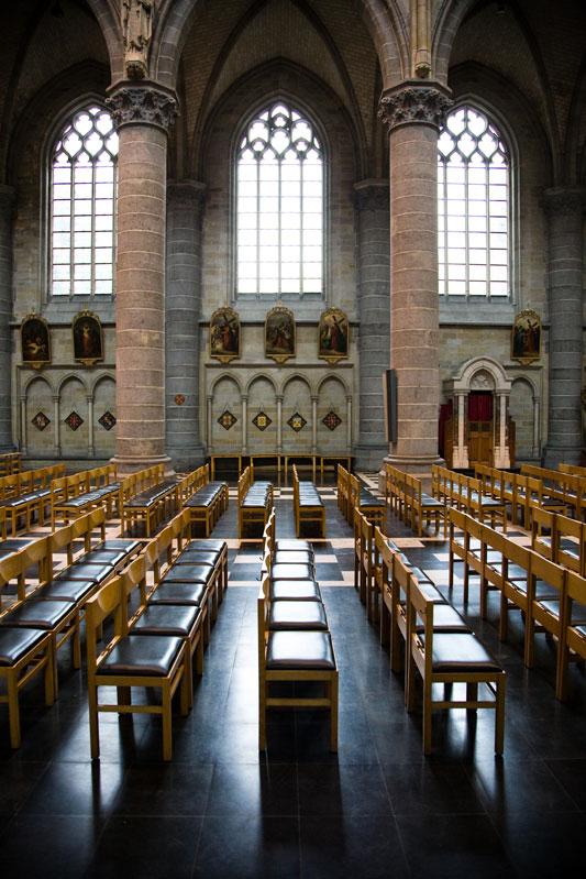 Nobody-in-the-Yper-church-001