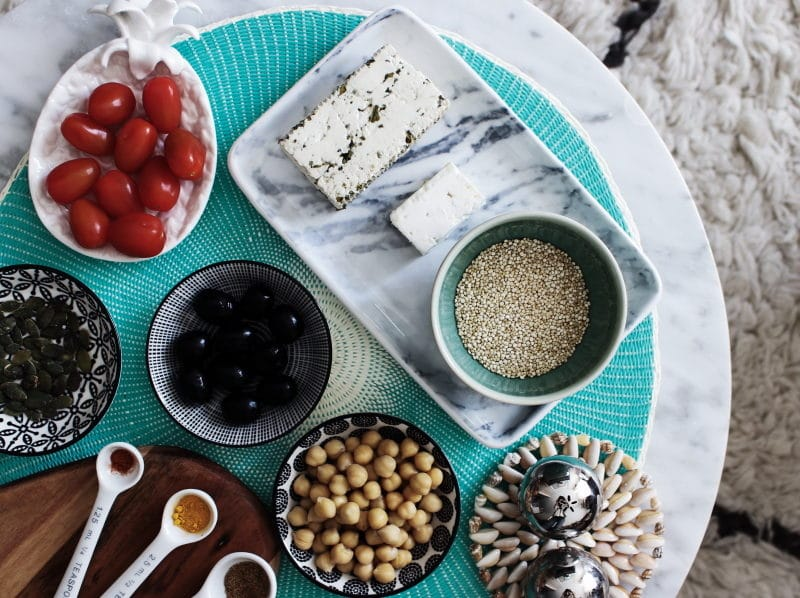 quinoa bowl méditerranéen végétarien