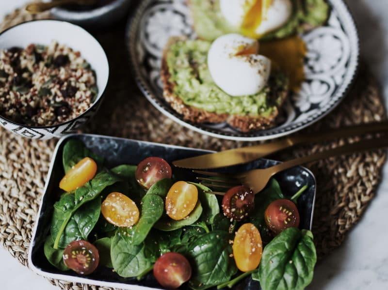 recette toast avocat salade été végétarienne