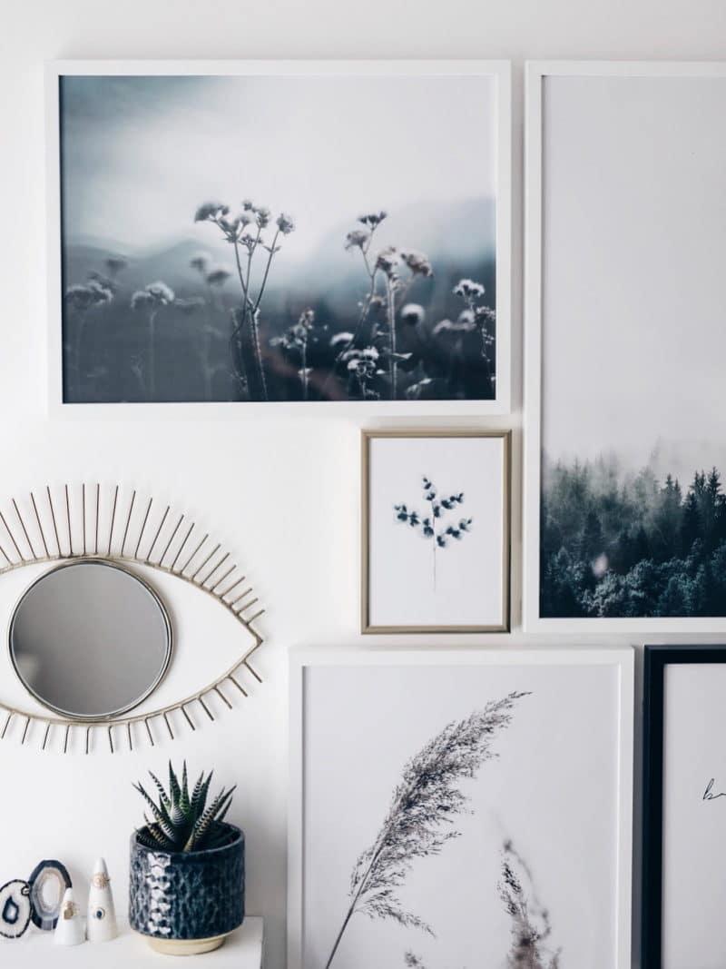 Mon atelier création bijoux affiches Desenio, miroir oeil et cactus