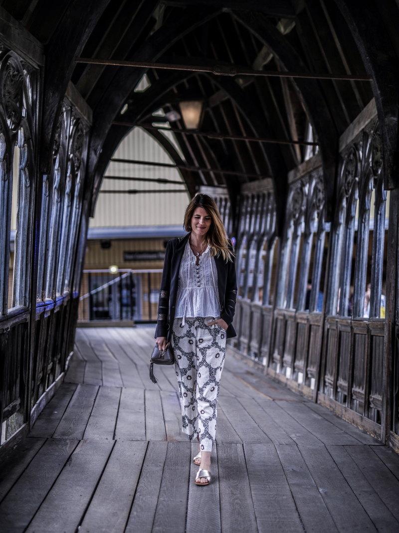 Studios Harry Potter Londres pont bois Poudlard