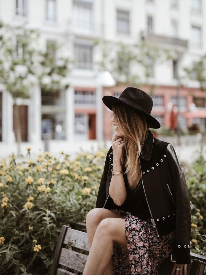 Look jupe en soie The Kooples, veste Maje et sac Saint Laurent Paris blog mode France By Opaline