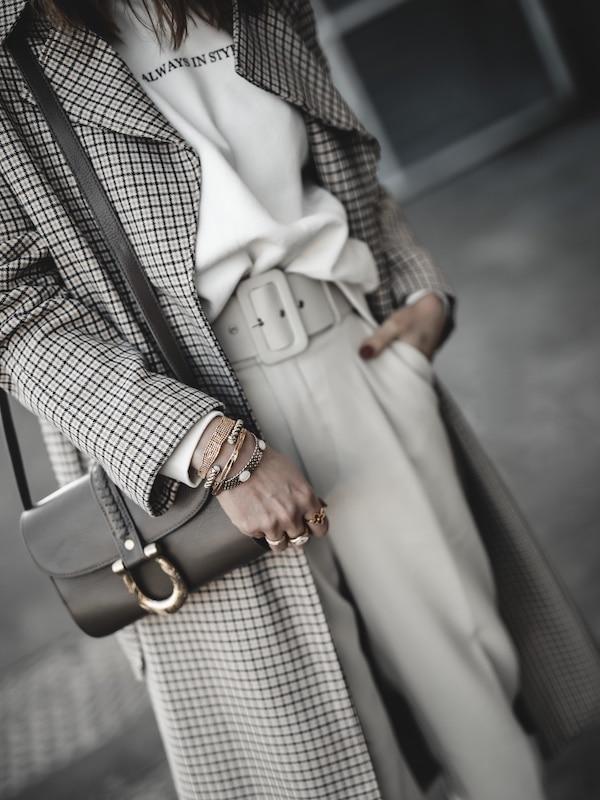Inspiration mode look femme 2020 fashion trench carreaux beige sac Sancia
