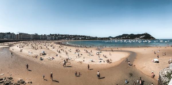 Blog voyage France les incontournables du Pays Basque panorama plage de la Concha San Sebastian