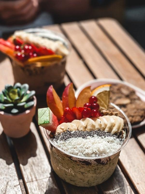 Manger végétarien ou vegan au pays basque, mes meilleures adresses. Le smoothie Bowls chez Bali Bowls.