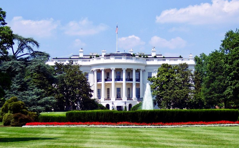 Picture of the White House in the United States from Nick Byrd's blog.