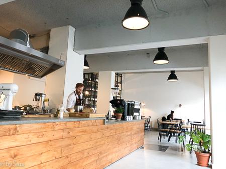 4850 wijnbar koffie Amsterdam Oost