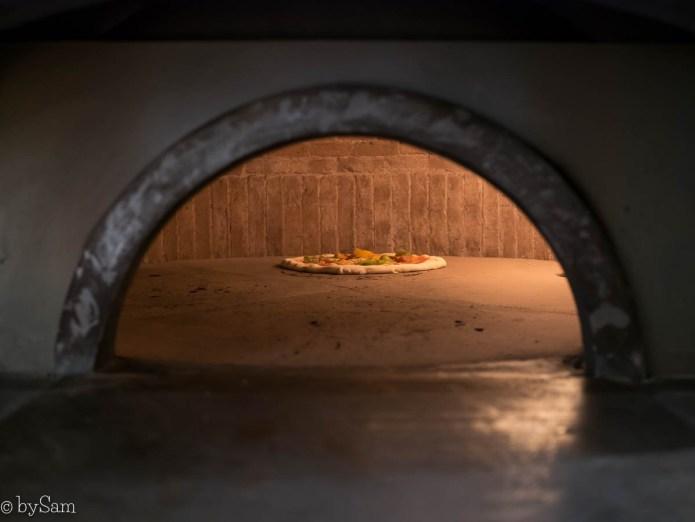 nNea Pizza Amsterdam pizzabakker