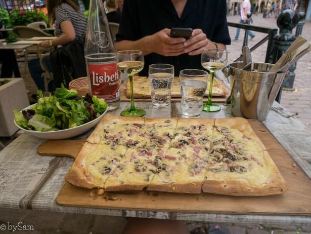 Flammkuchen tarte flambee specialiteit Elzas Alsace