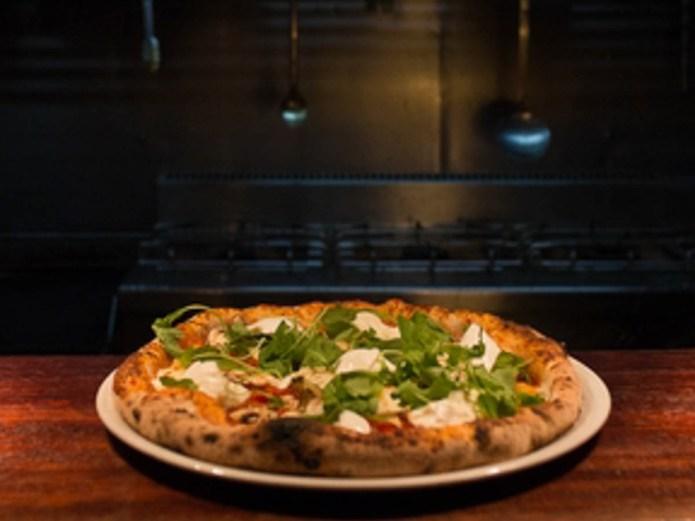 Eatmosfera Oost zuurdesem pizza pizzeria Amsterdam