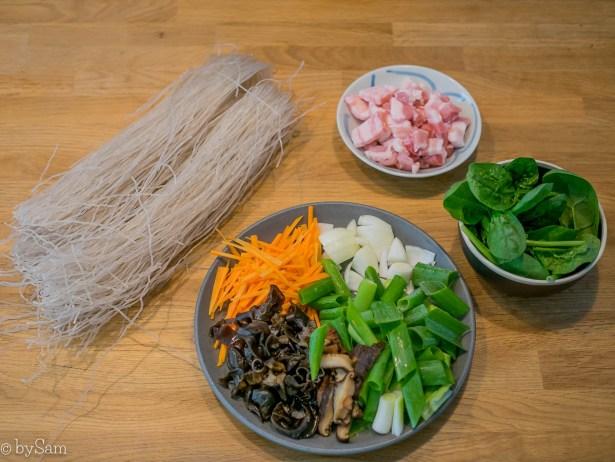 Zoete aardappelnoedels buikspek recept Aziatisch koken