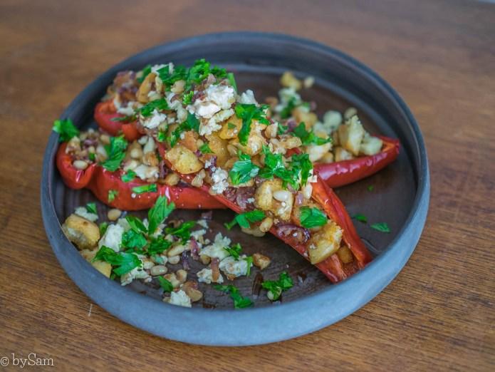 Gevulde paprika met feta en walnoten pijnboompitten recept