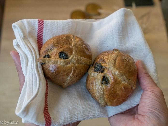 Recept hot cross buns broodjes bakken
