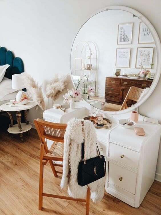 dressing table with large round mirror