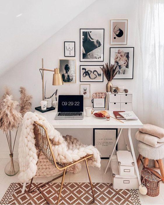 create a beautiful small desk space