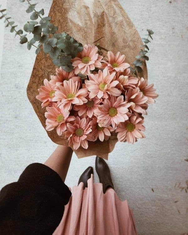 bouquet of nude flowers