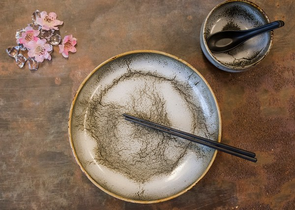 Nuka glaze 27 cm plate - by Studio RAW