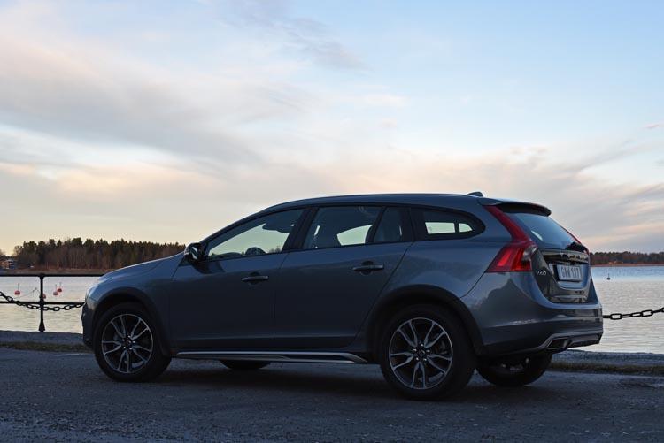 Volvo V60 cross country 2015 (54)750