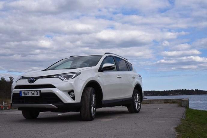 Toyota Rav4 hybrid 2016 (28)750