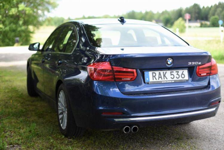 BMW330e_hybrid 2016 (4)