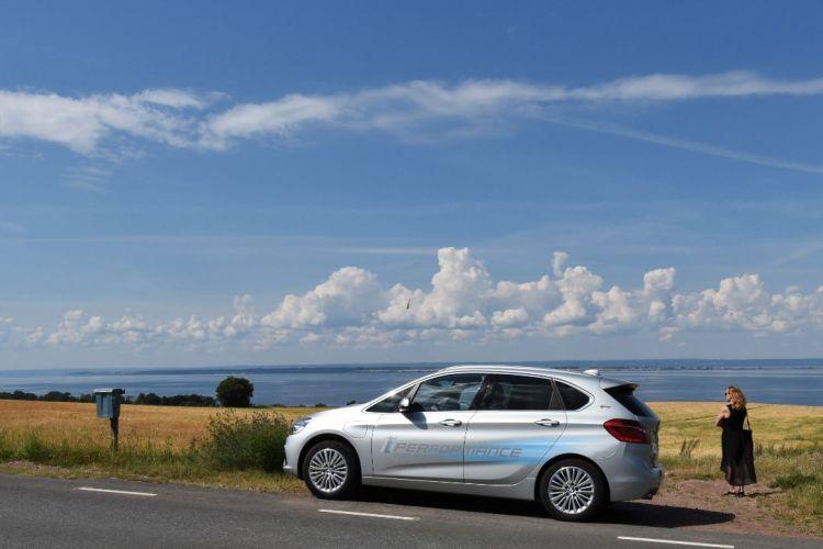 BMW225xe hybrid 2016 (1)