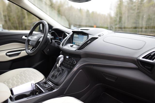 Ford Kuga 2017 (5)k
