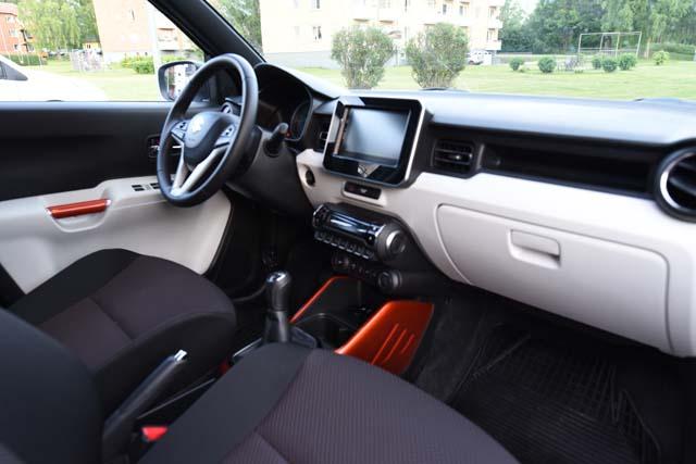 Suzuki Ignis interior (1)e