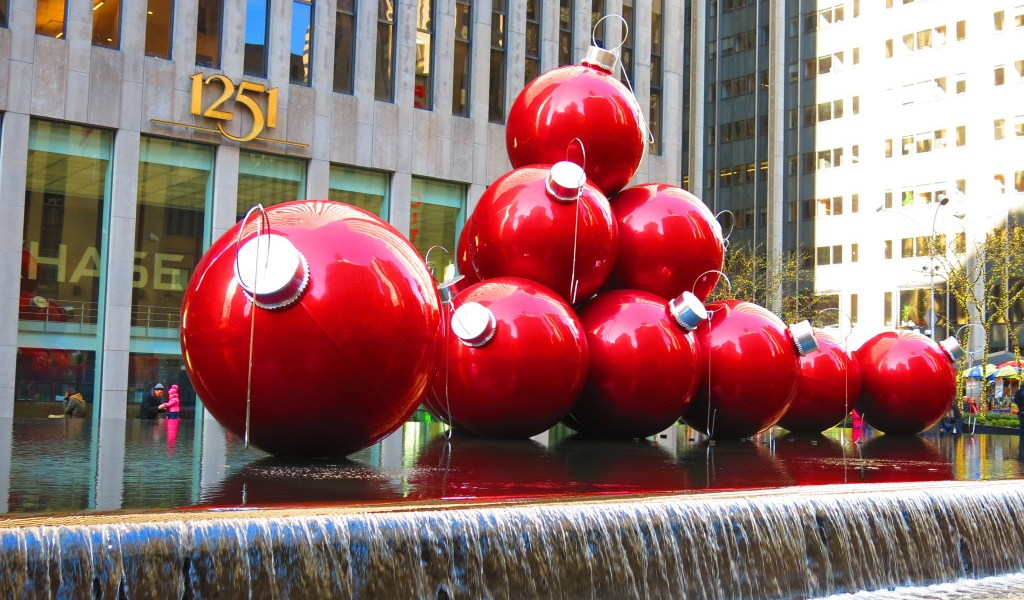 Christmas displays in NYC