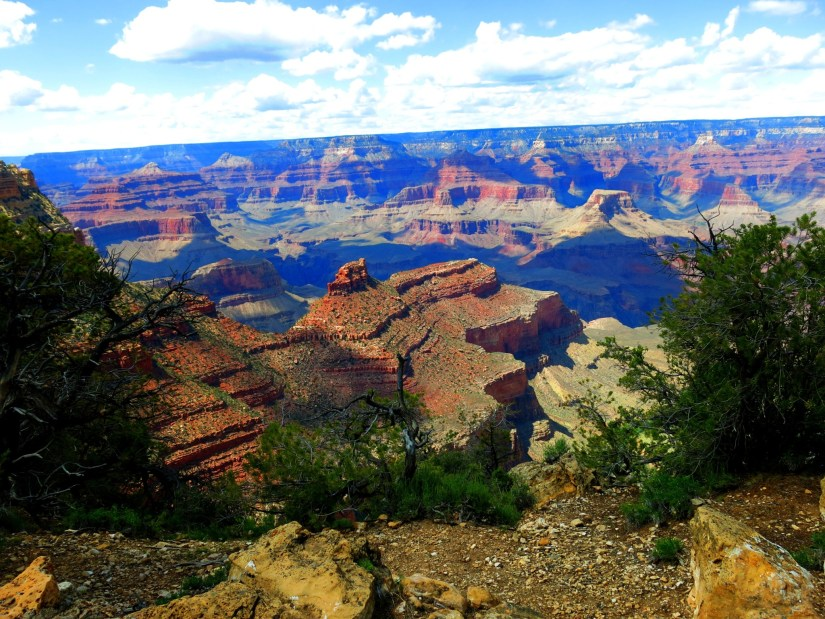 Stunning vista along the Rim Trail (South).