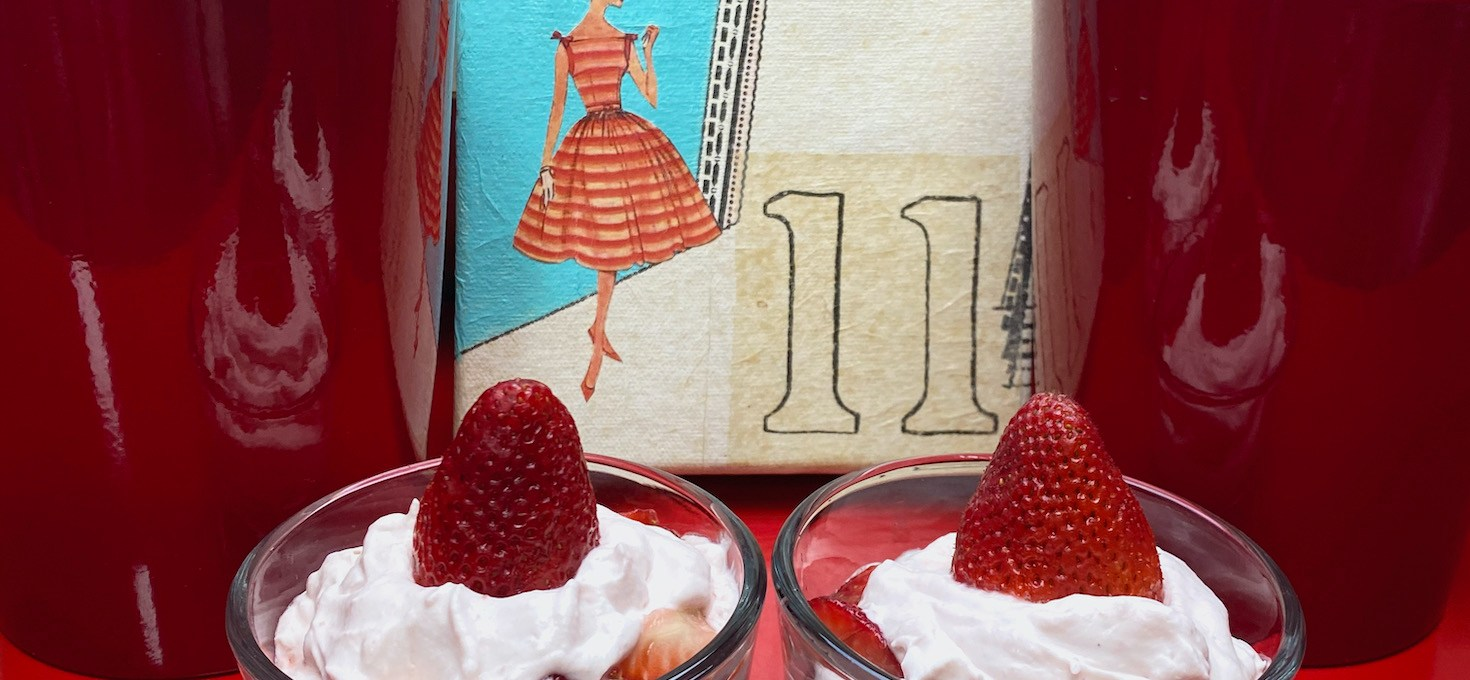 Strawberry Vanilla Parfait – au lait!