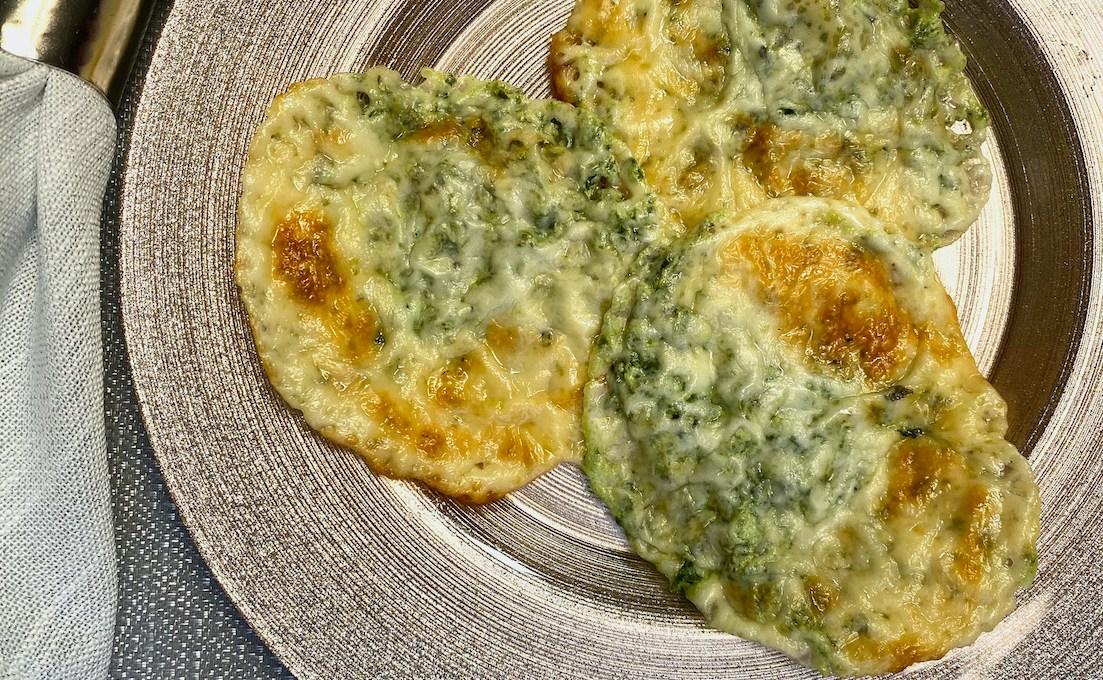 Spinach and Ricotta Mozzarella Crisps